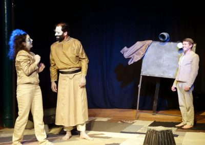 Grands-Artistes-volent-Theatraverse-theatre-bilingue-anglais-francais-courbevoie